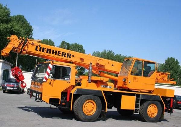 Аренда автокрана 25 тонн Liebherr LTM 1025